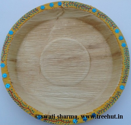 Decorated wedding plates