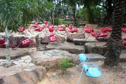 Giant-ants-tableau-at-Nongnooch-Tropical-garden,-Pattaya,-Thailand
