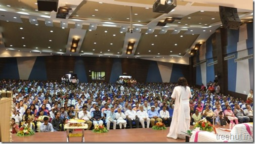 Sri-Sri-Ravi-Shankar-addressed-ISRO-scientists August 2017
