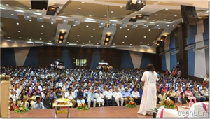 Sri Sri Ravi Shankar addressed scientists from ISRO Ahmedabad